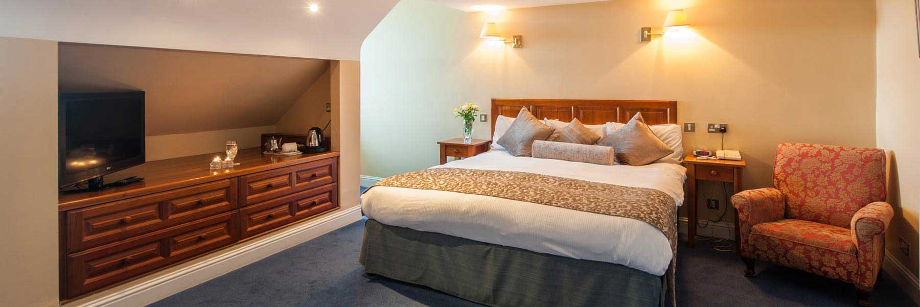 family run hotel steps away from Blarney Castle